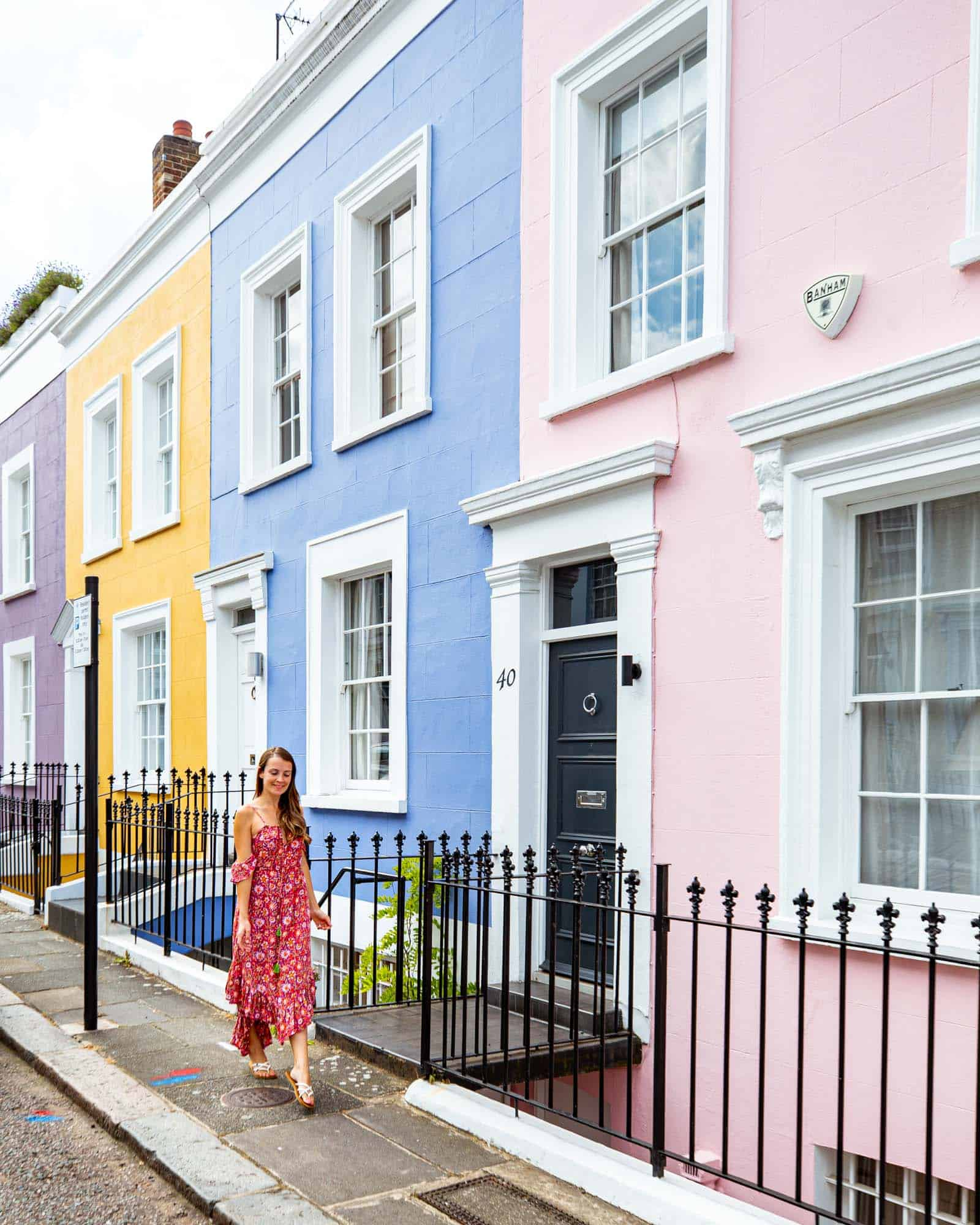 Notting Hill London: Hillgate-Place-Colourful-Houses-in-Notting-Hill-London
