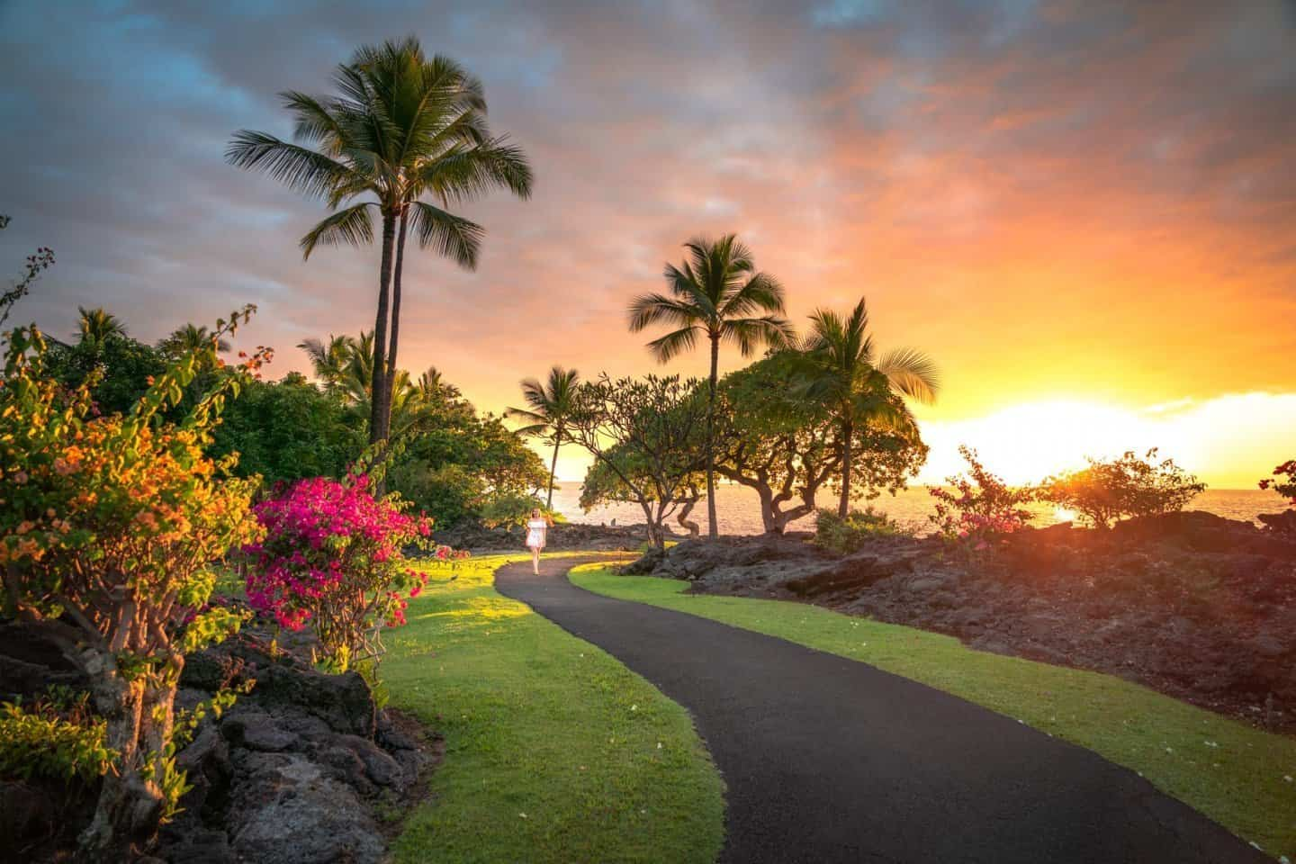 Big island photography: Enjoying a brilliant sunset from the Sheraton Kona.