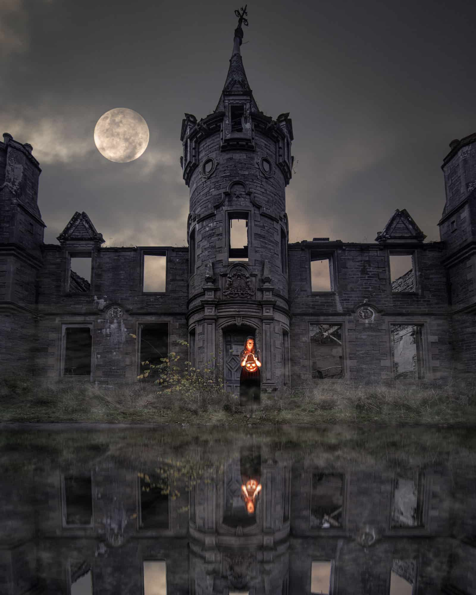 A spooky night scene at Dunalastair Castle, the best castle in Scotland.