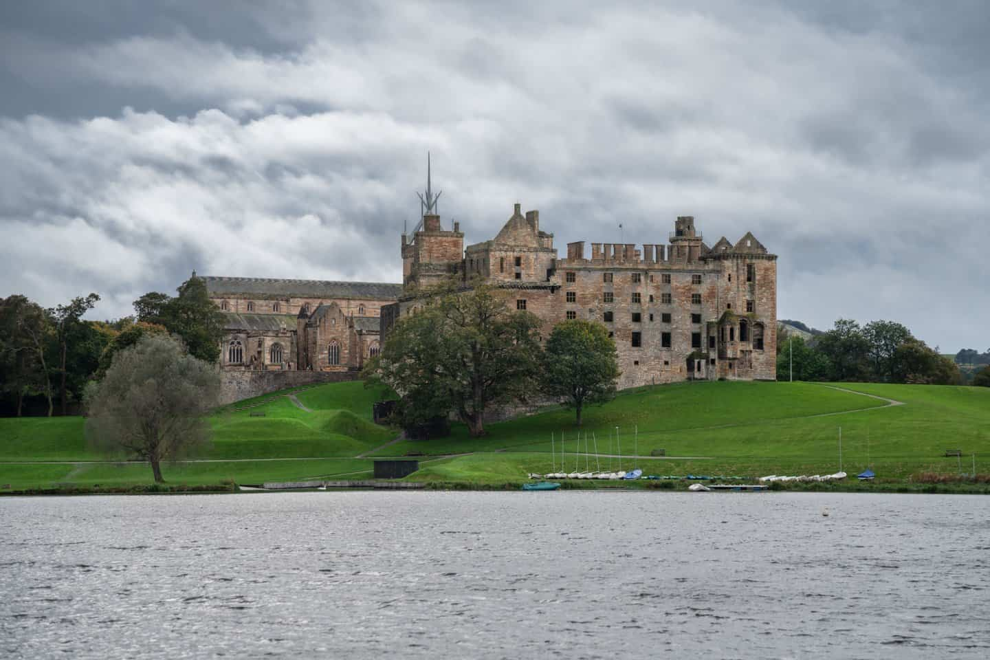 A moody day at Linlithgow Palace.