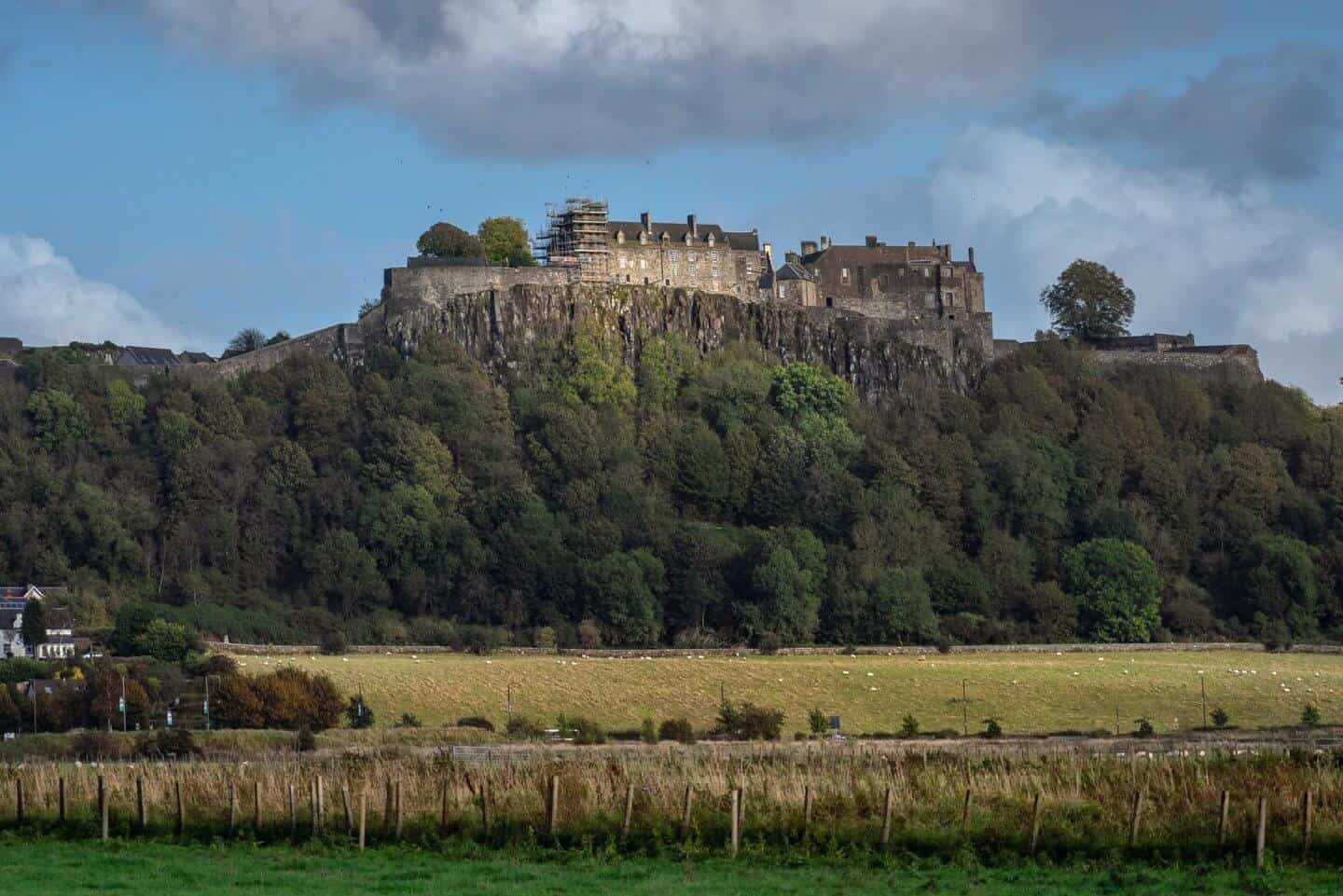 A drive-by view of Stirling Castle.