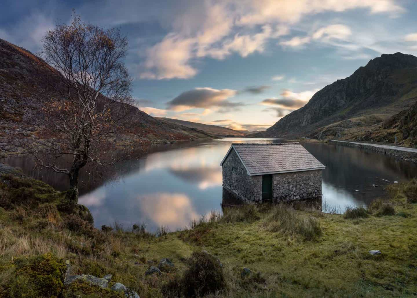 Sunrise at Ogwen cottage is among the most popular Snowdonia photography locations.