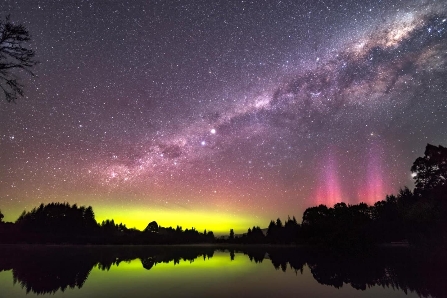 Southern Lights aurora Photography in New Zealand.