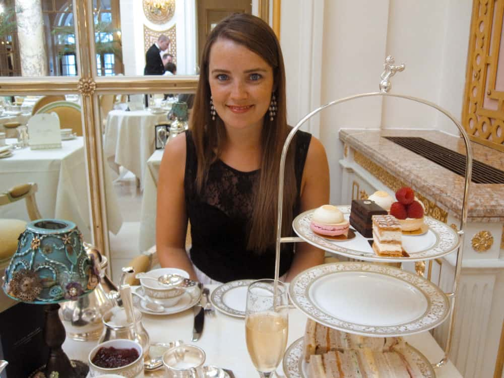Champagne afternoon tea at The Ritz: a must-do in London in 2 days.