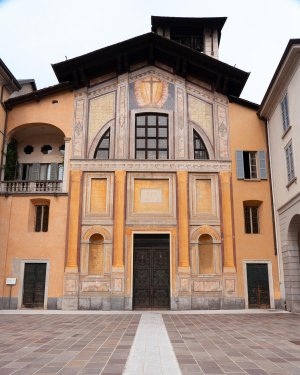 San Giacomo church is a magnificent golden colour, making it stand out against the surrounding architecture.