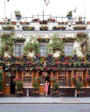 Churchill Arms is a traditional London pub decorated in beautiful flowers