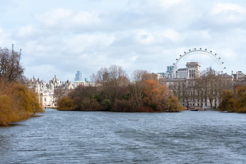 St James Park - one of the 8 royal parks that should be on your London bucket list