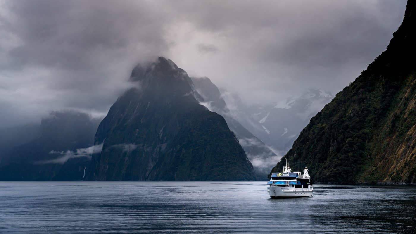 A cruise through the Milford Sound on our week in New Zealand South Island.