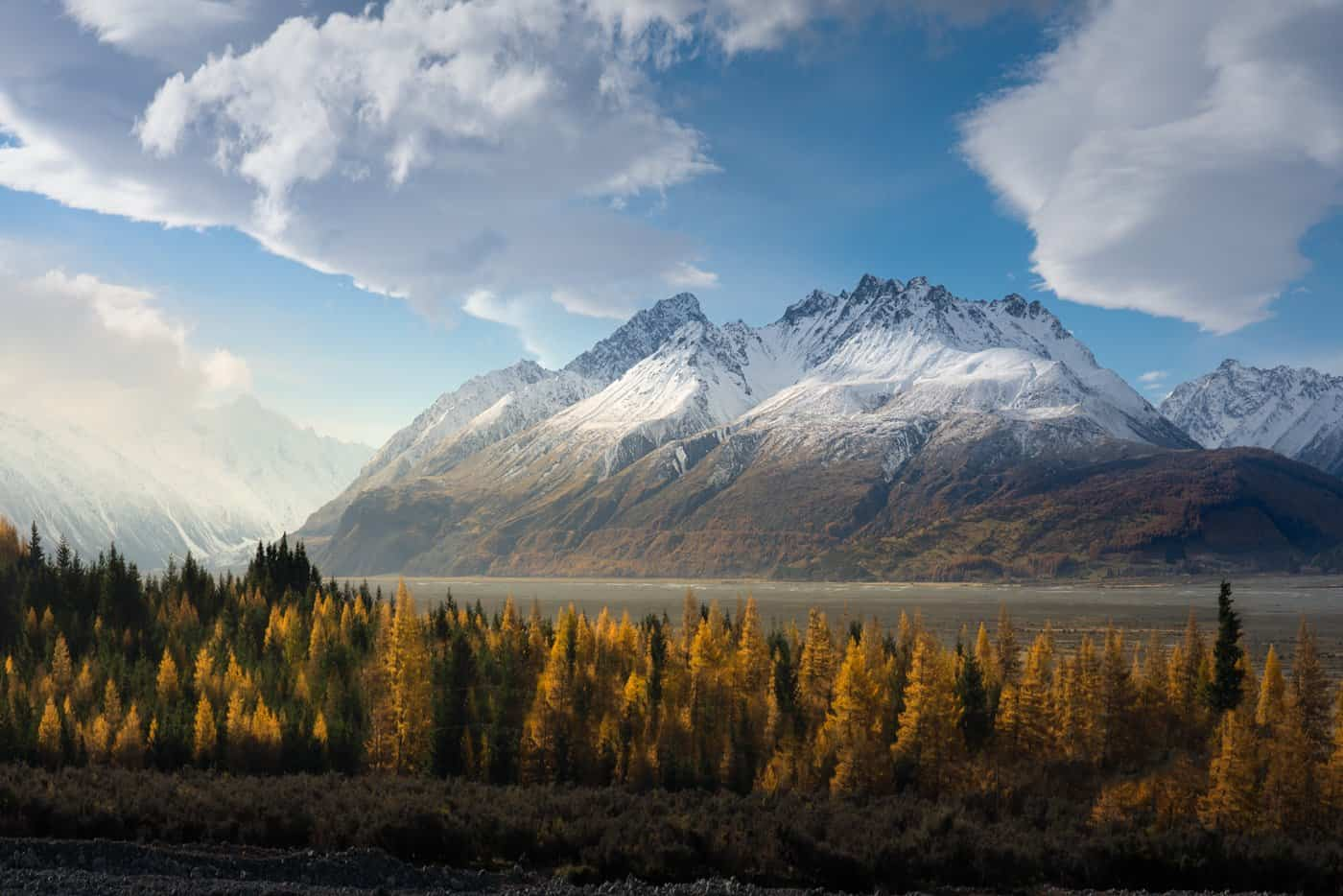 April in New Zealand is an amazing time to capture that beautiful autumn color at Mt Cook.