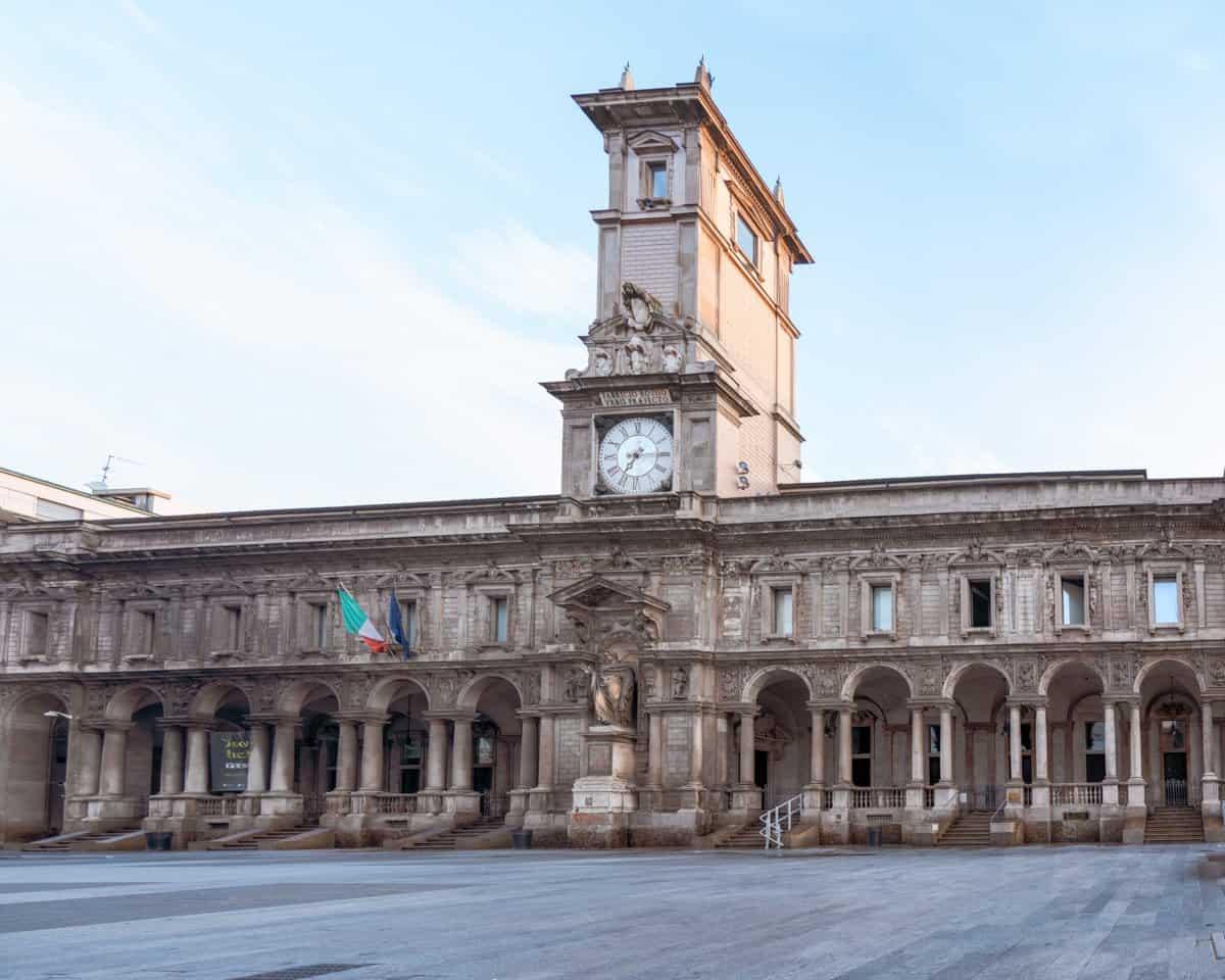 Palazzo Giureconsulti in Piazza Mercanti Milan