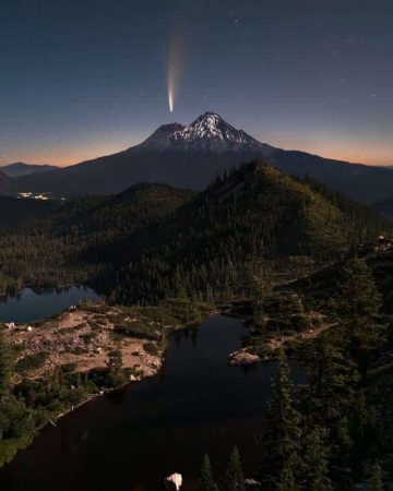 Neowise Comet photography rising over Mt Shasta California