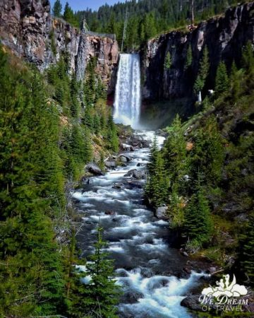 Many Bend natives will insist that when combined with its nearby counterparts, Tumalo Falls deserves consideration for best waterfalls in Oregon
