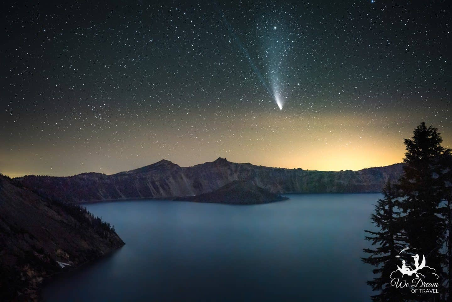 Neowise Comet over Wizard Island in Crater Lake National Park, ORegon