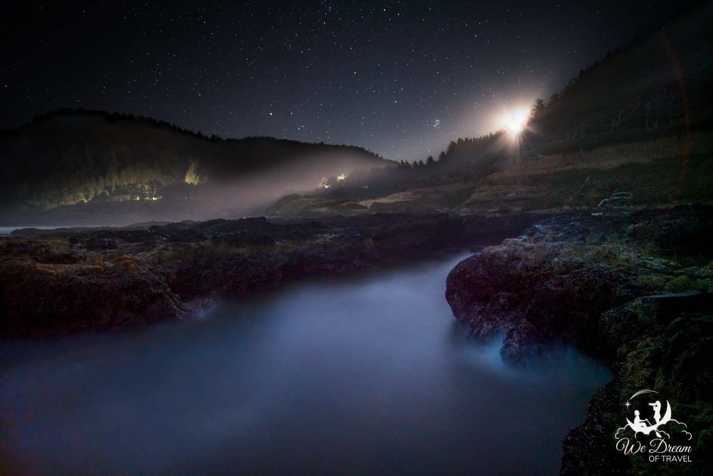Night photography at Devils Churn in Cape Perpetua, Oregon