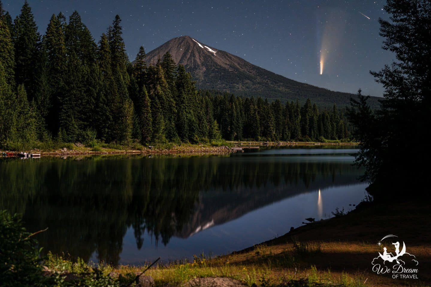 Neowise Comet over Mt Mcloughlin, photographed from Fish Lake in Oregon