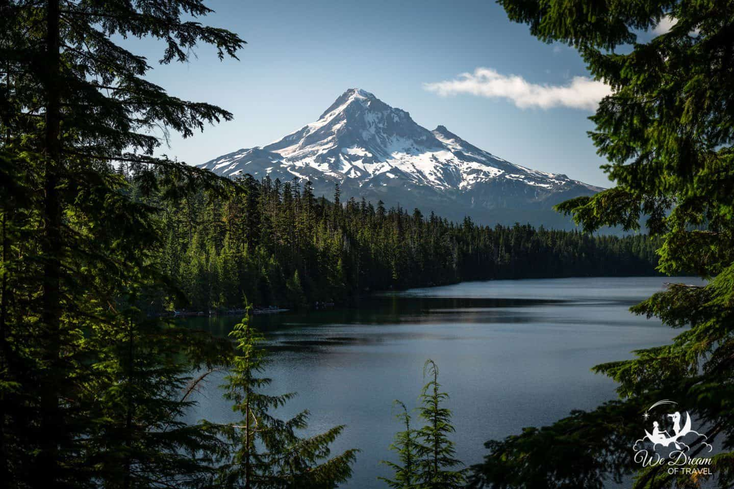 Lost Lake is a great place to visit in Oregon for unbeatable views of Mt Hood