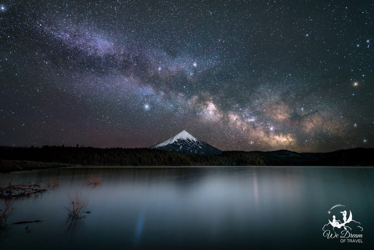 Willow Lake is the best place to visit in Oregon to photograph Milky Way night photography of Mt Mcloughlin