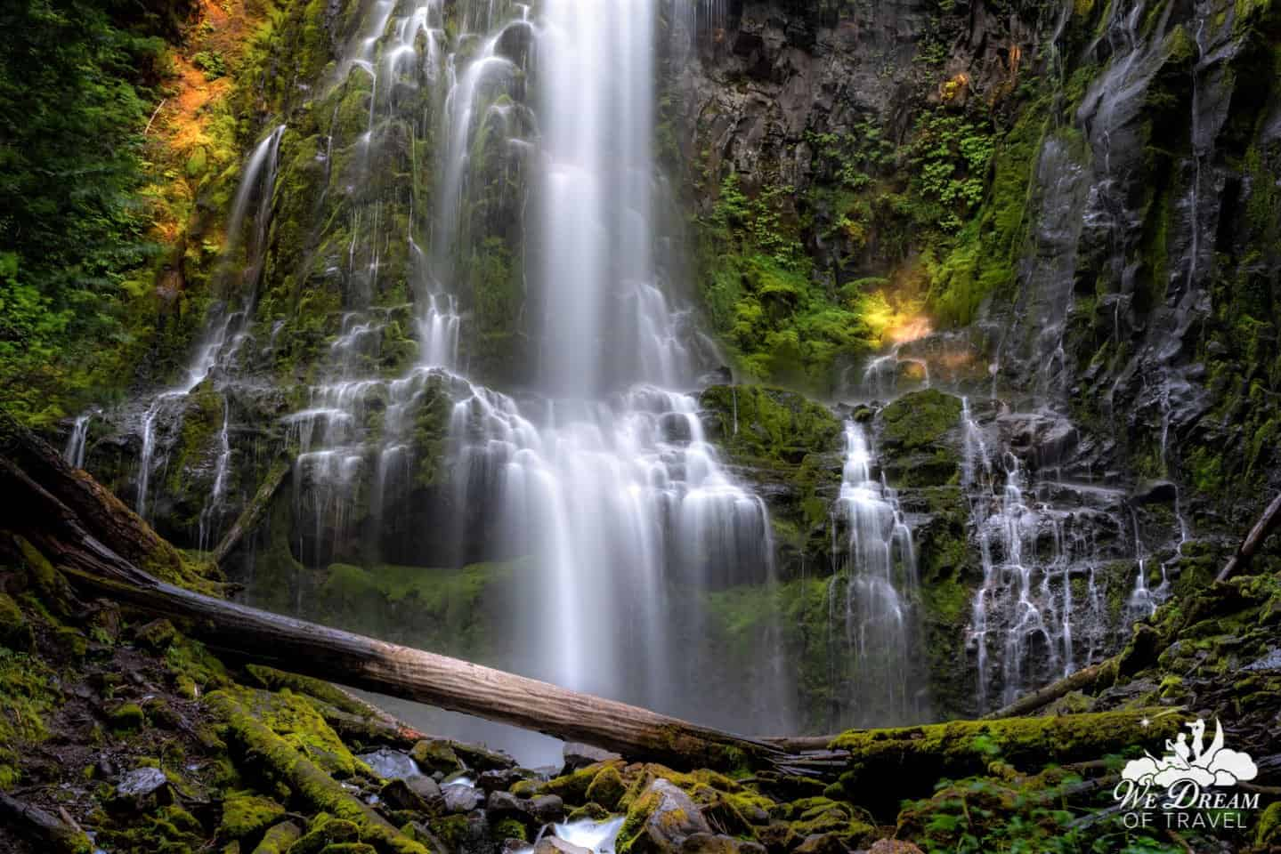 The remote nature of Proxy Falls makes visiting this top Oregon waterfall all the more appealing.