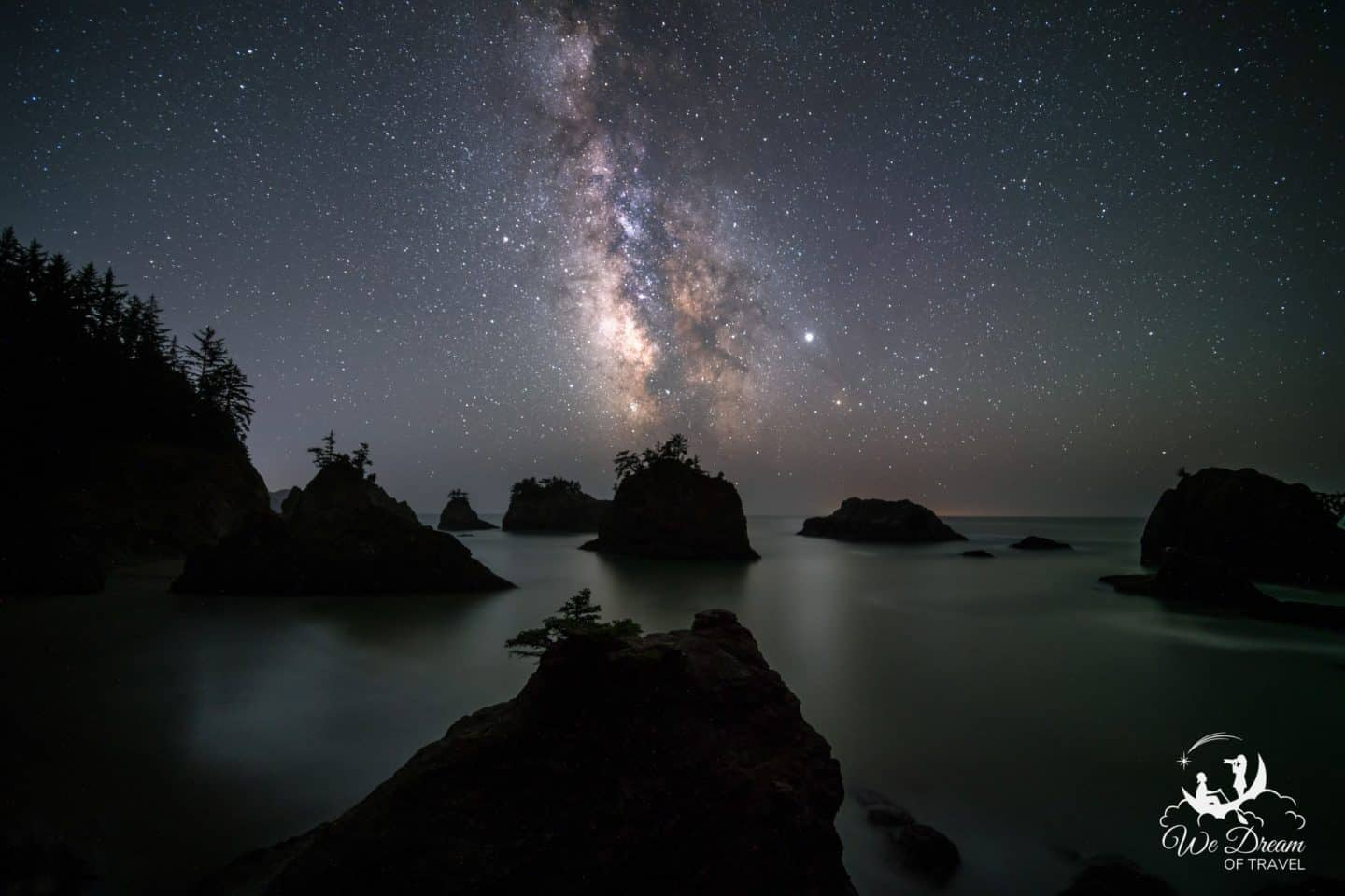 Secret Beach Milky Way night photography of Oregon