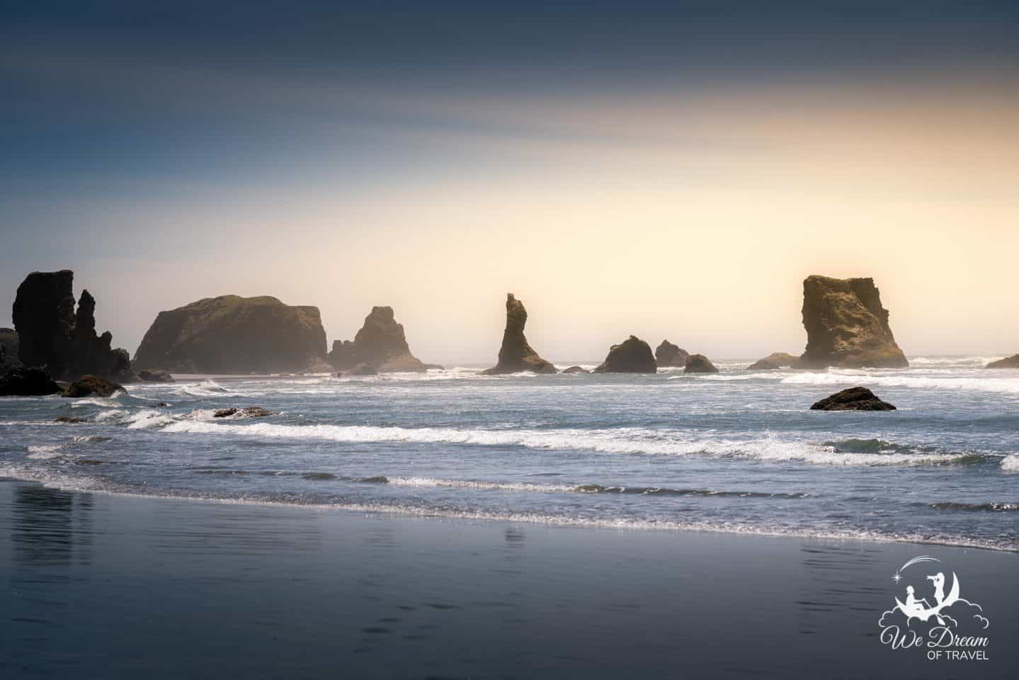 Golden hour lighting at Wizards Hat on the Bandon coastline
