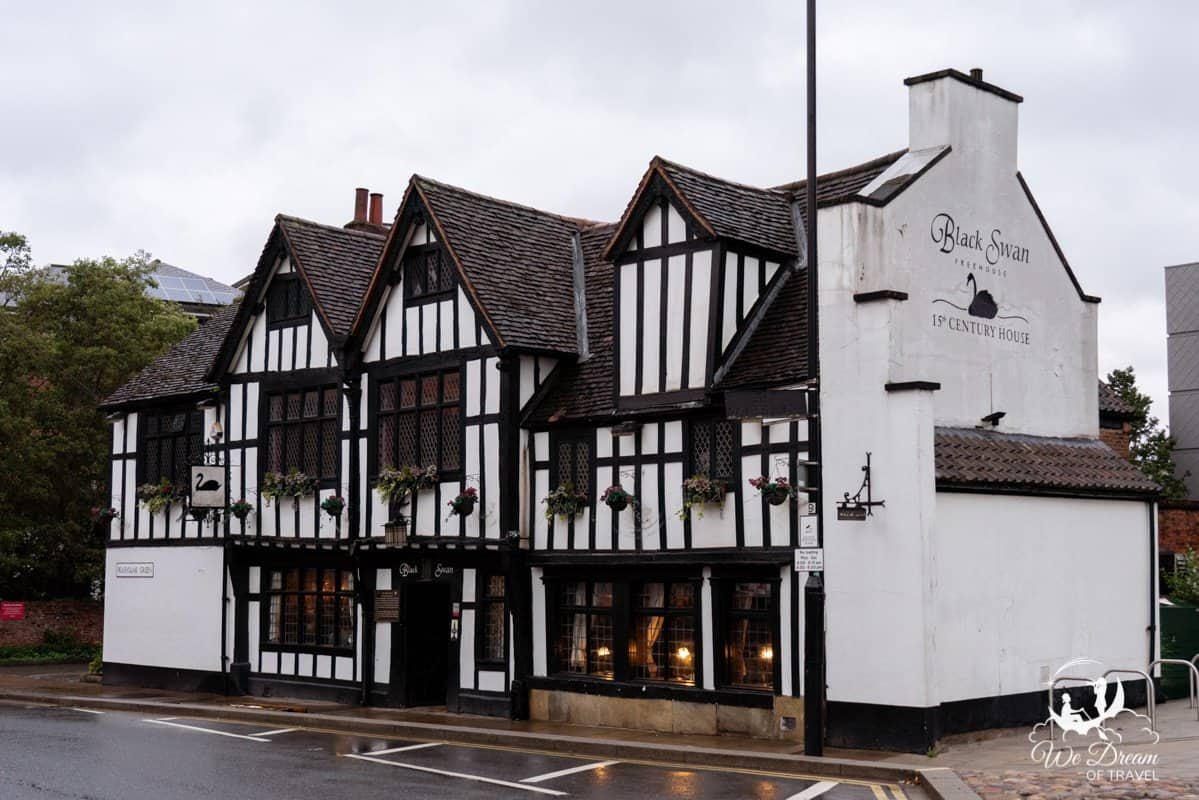 The Black Swan - One of the worst restaurants in York.