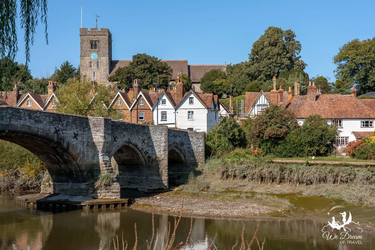 Pictureqsue English village of Aylesford is set upon the River Medford in Kent