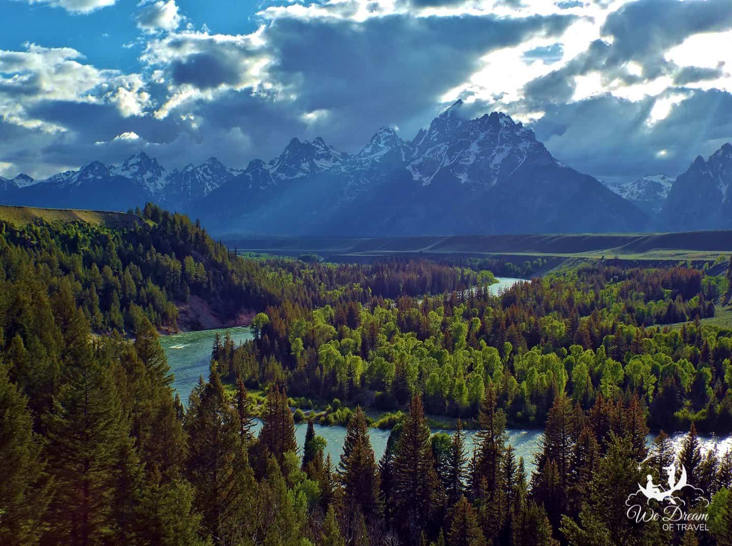 The Snake River Bend lookout remains one of the most popular photography dream destinations.