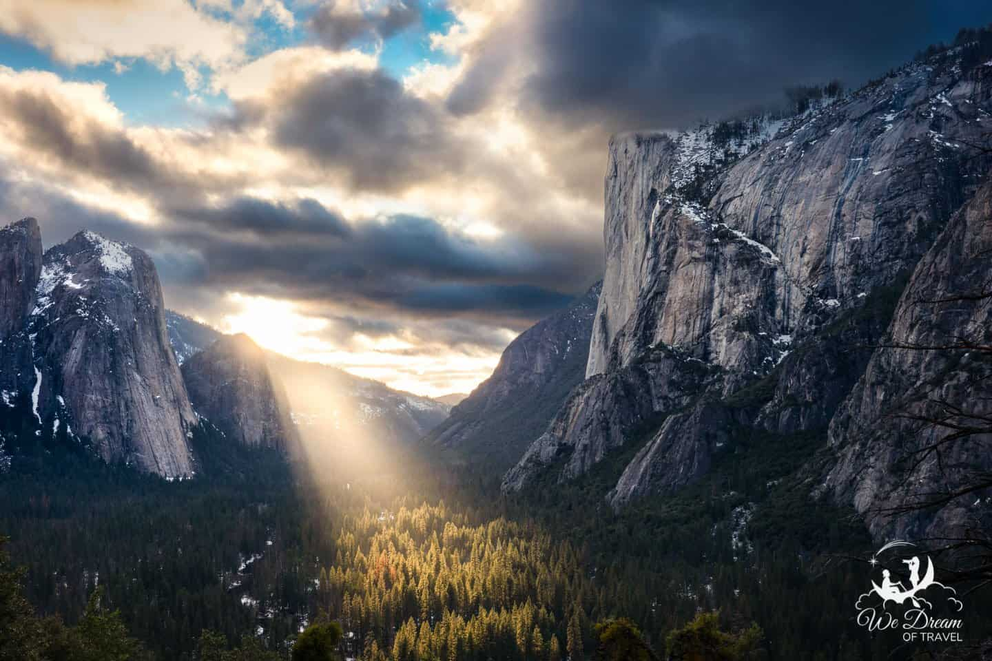 The Four Mile Hike view provides unbeatable views of the Yosemite Valley.