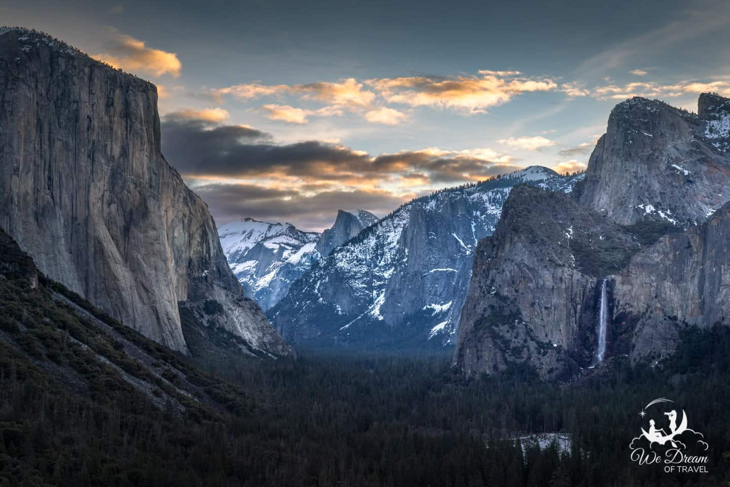 Tunnel View is an unbeatable vista for Yosemite sunrise photography.