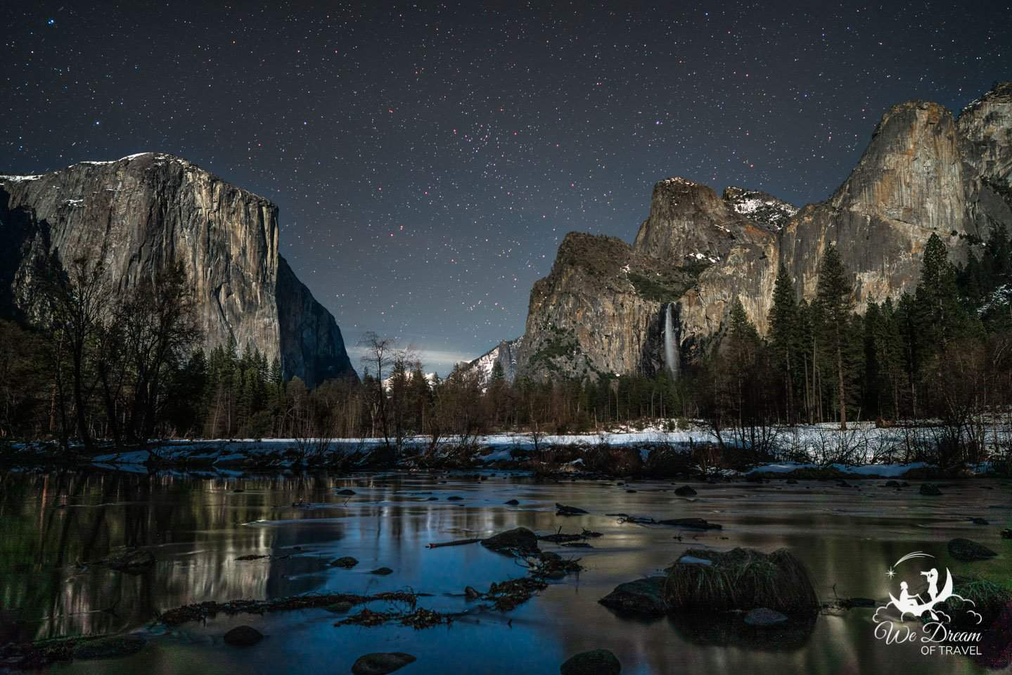 Moonlight photography at Yosemite Valley View.