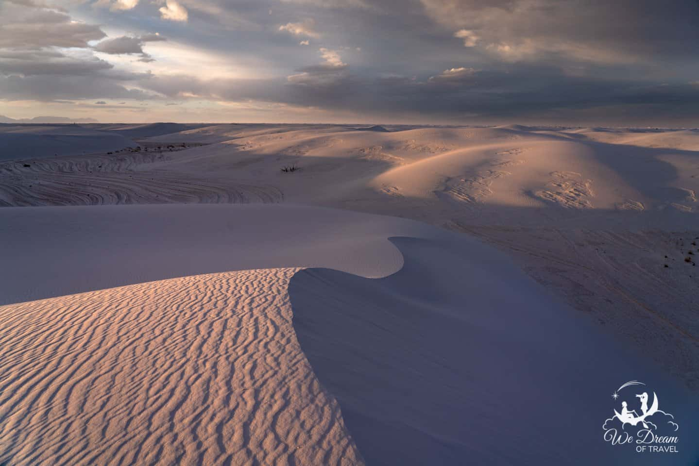 Fading light graces the dunes from the Alkali Flats trail in White Sands.