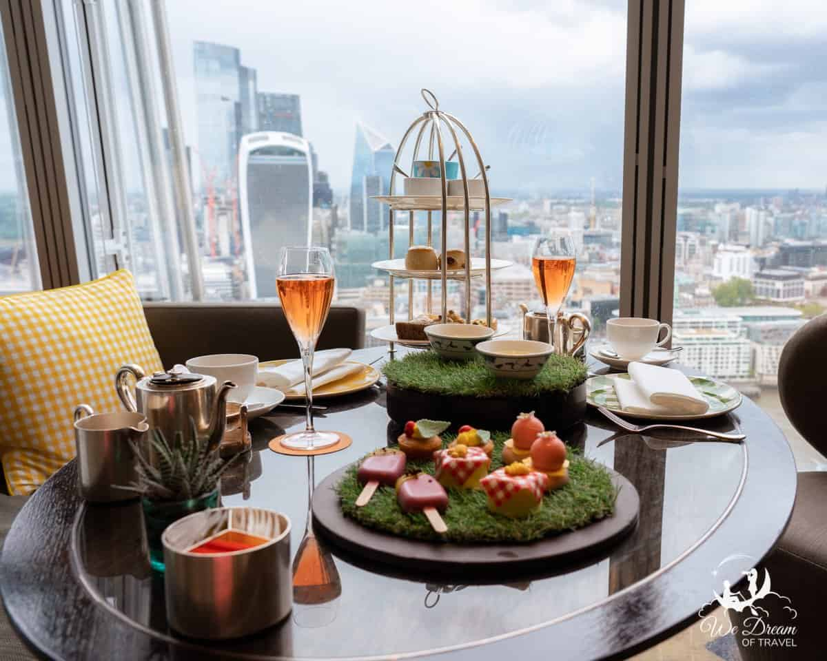 Picnic afternoon tea with a view at Ting Restaurant at Shangri La The Shard London