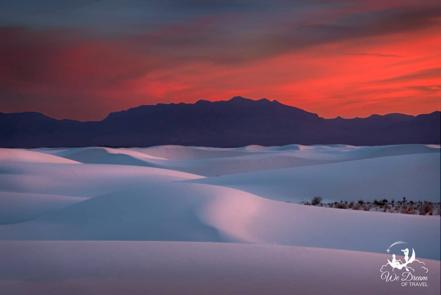 Late evening into sunset is the best time to visit White Sands National Park.