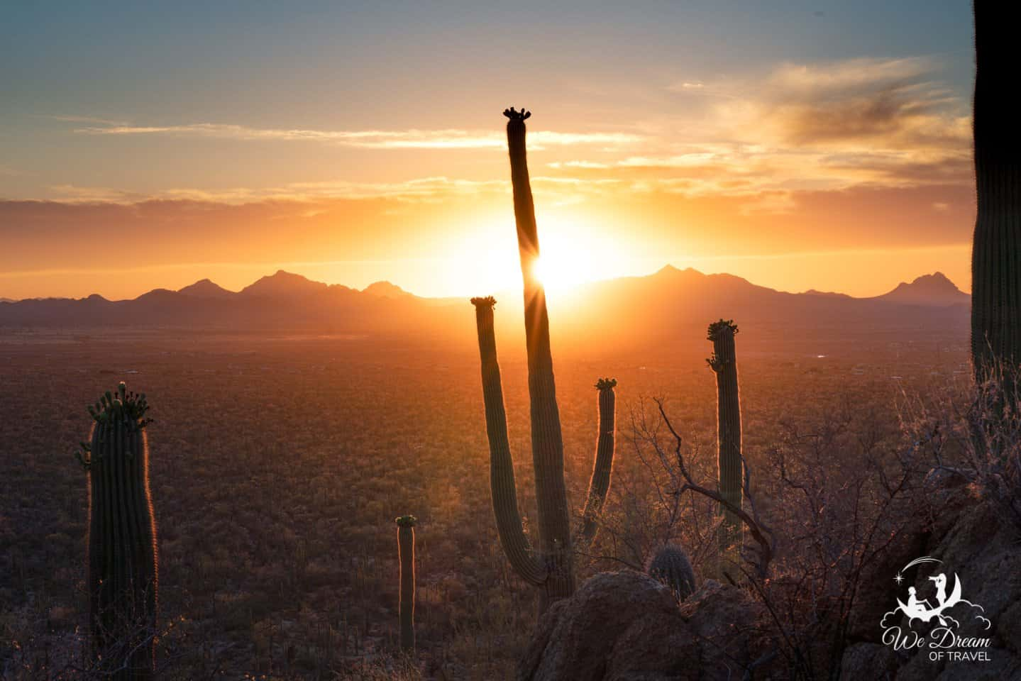 Sunset Photography from the Valley View Overlook in Saguaro National Park.