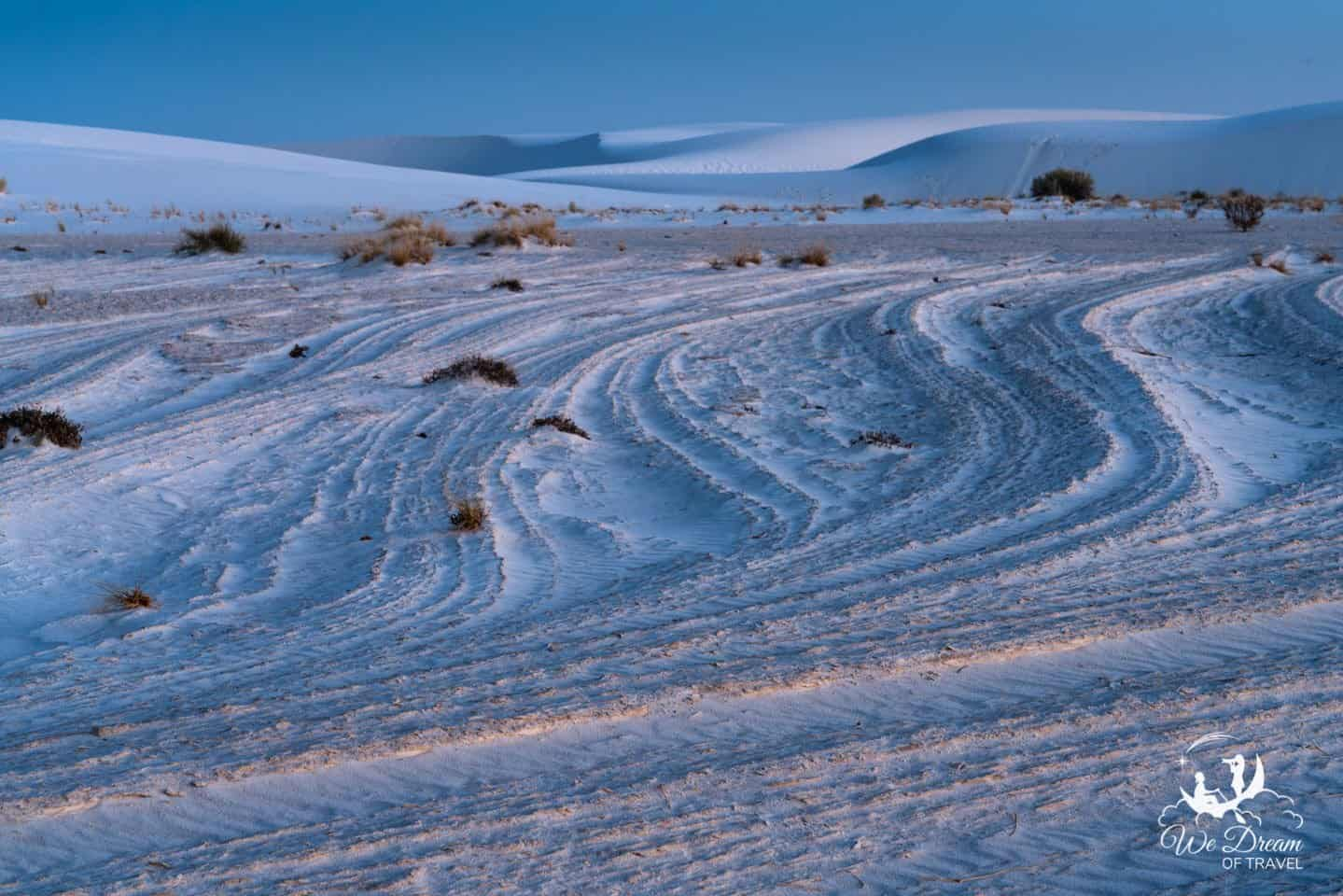 Warm and cool colors accentuate the textures of the Alkali Flats in White Sands.