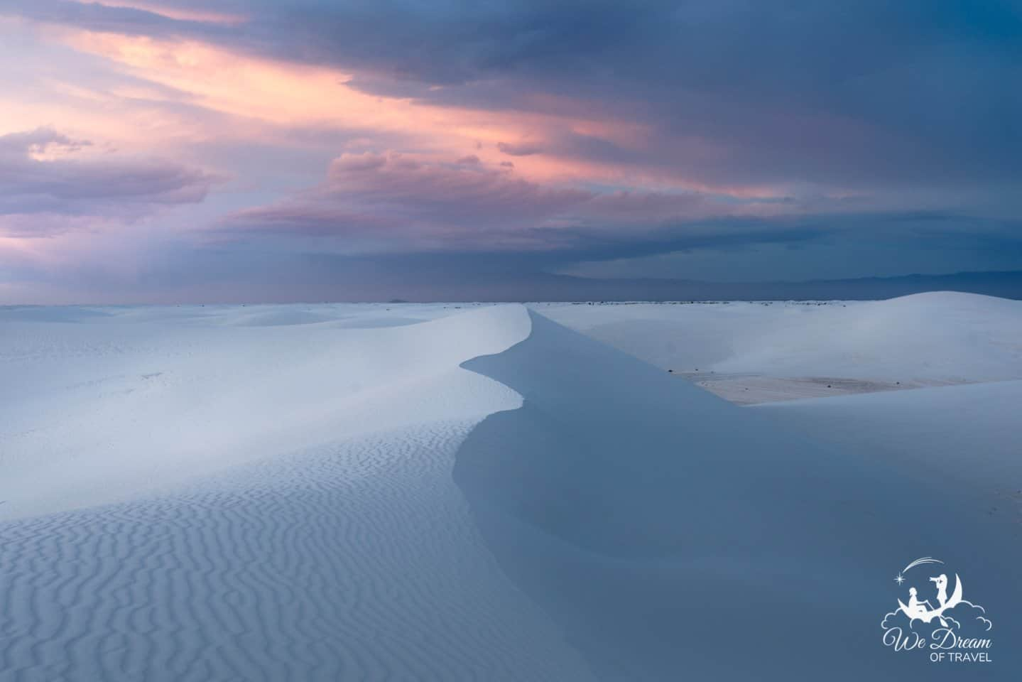Get lost (not literally!) in the dunes of Alkali Flats at twilight for a magical White Sands experience.