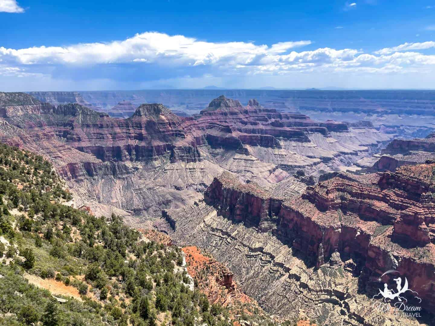 Make time to enjoy sweeping views of the Grand Canyon from Bright Angel with a drink or fork in hand.