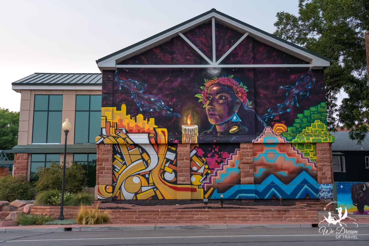 An art mural on the exterior of St George City Art Museum