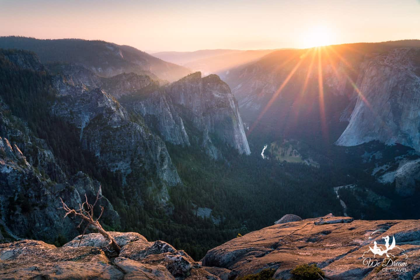 Another view of the sunset from Taft Point on Glacier Point Road.