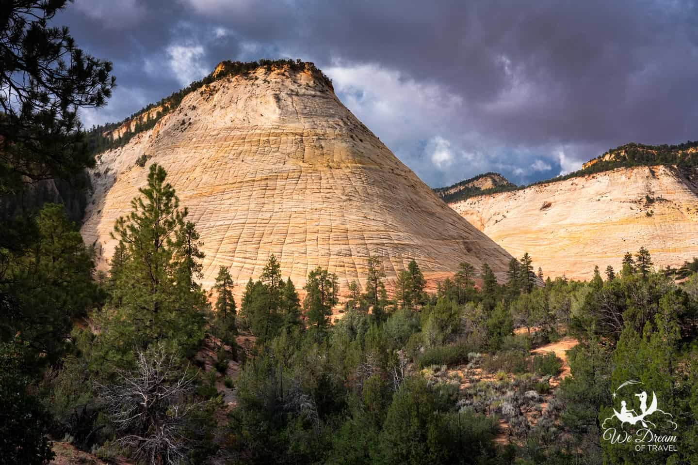 The iconic Checkerboard Mesa will bey our final stop within Zion NP on your way to Bryce Canyon.