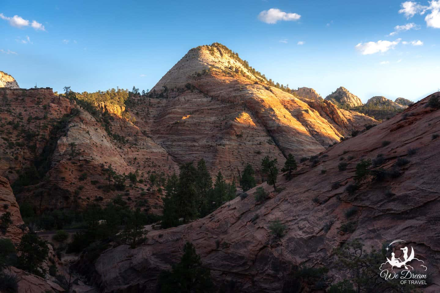 A view from the Carmel Highway connecting Zion National Park and Bryce Canyon.